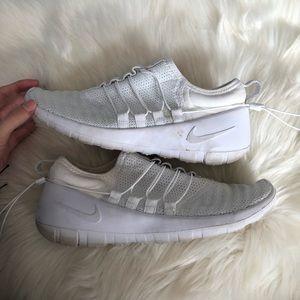 Nike Payaa Prem Qs White Running Athletic Shoes, 8